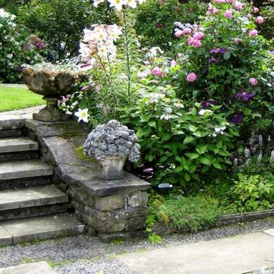 Patio Ideas: Steps Leading to Sunken Patio